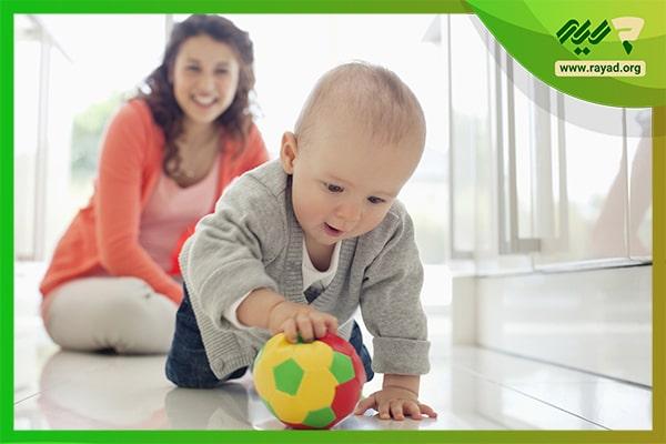 بازی با توپ کوچک در خانه